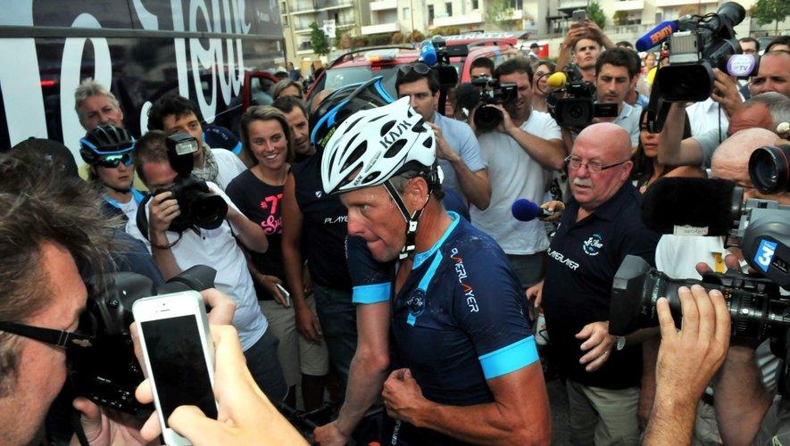 """Lance Armstrong, """"homme du jour"""" à Rodez"""