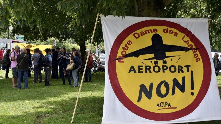 Manifestation d'opposants à la construction de l'aéroport Notre-Dame-des-Landes, le 18 juin 2015 près du tribunal administratif de Nantes