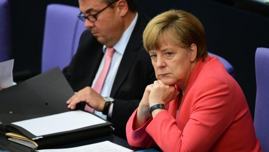 La chancelière allemande Angela Merkel et le vice-chancelier Sigmar Gabriel, au Bundestag à Berlin, le 17 juillet 2015