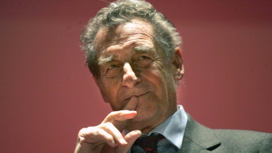 L'écrivain Jean Lacouture, le 7 décembre 2005 à Bordeaux