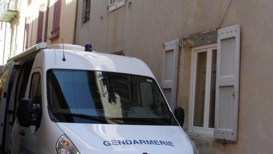 L'enquête est confiée à la brigade de recherche de Millau et à la brigade de gendarmerie de Saint-Affrique. Un technicien en identification criminelle de Rodez était également sur place vendredi matin.