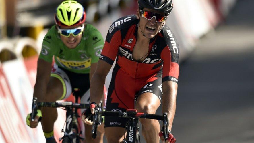 Le Belge Greg Van Avermaet vainqueur de la 13e étape du Tour de France devant le Slovaque Peter Sagan, à Rodez le 17 juillet 2015