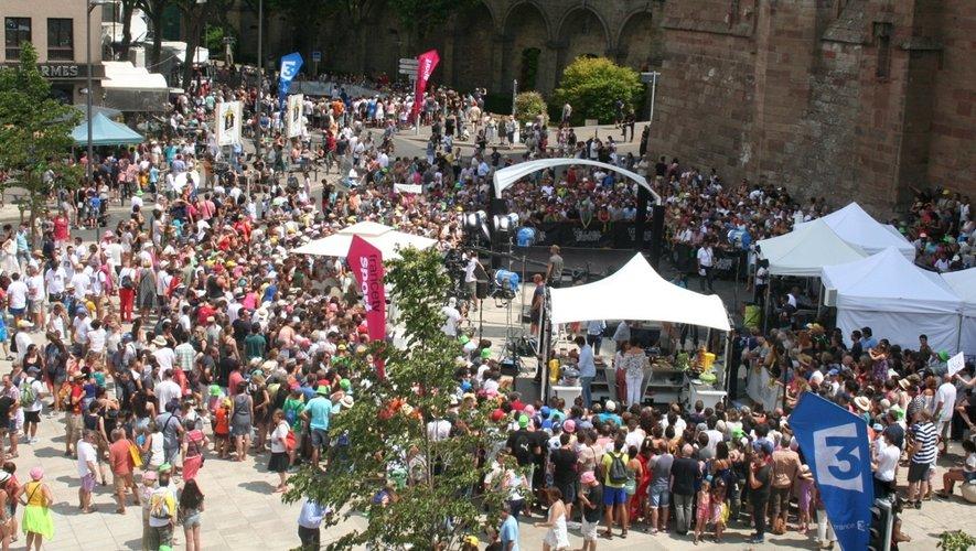 Le Tour quitte Rodez et l'Aveyron