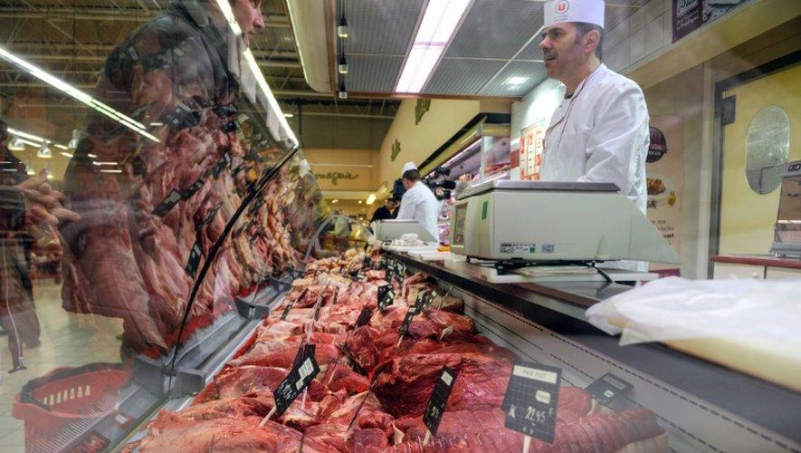 Le rayon boucherie d'un supermarché, à Besançon