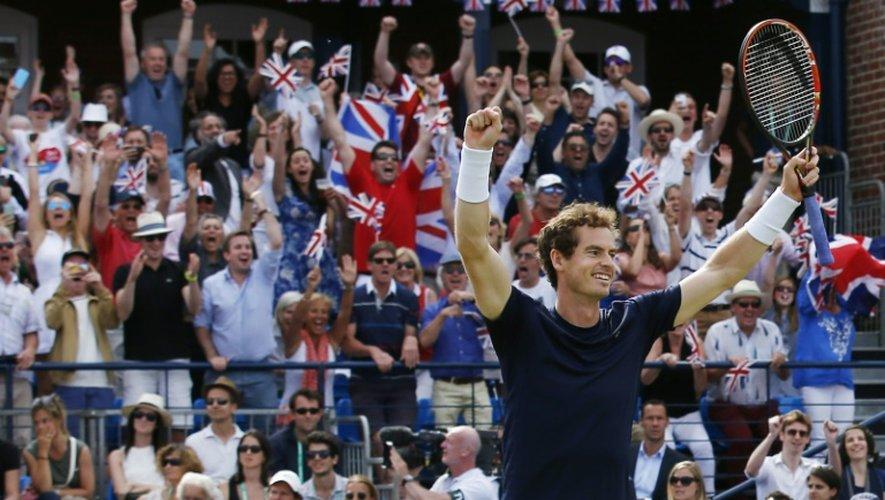 Le Britannique Andy Murray après sa victoire en double avec son frère Jamie face à la France en quart de finale de Coupe Davis, le 18 juillet 2015 à Londres