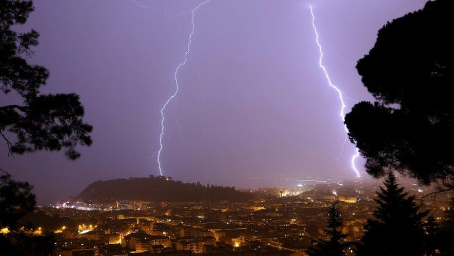 """Dans son bulletin de 16H00, Météo France a instauré un début de suivi """"orages"""" dans 14 départements, ceux des régions Alsace, Champagne-Ardenne, Franche-Comté et Lorraine"""
