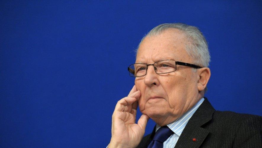 L'ancien président de la Commission europénne Jacques Delors donne une conférence de presse à Paris le 6 novembre 2012