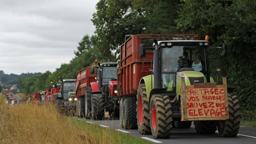 Manifestation d'éleveurs du Calvados contre la faiblesse des prix de vente de leurs produits, le 19 juillet 2015 à Fontenay-le-Pesnel