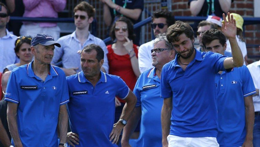 Gilles Simon après sa défaite contre le Britannique Andy Murray en quart de finale de la Coupe Davis, à Londres le 19 juillet 2015