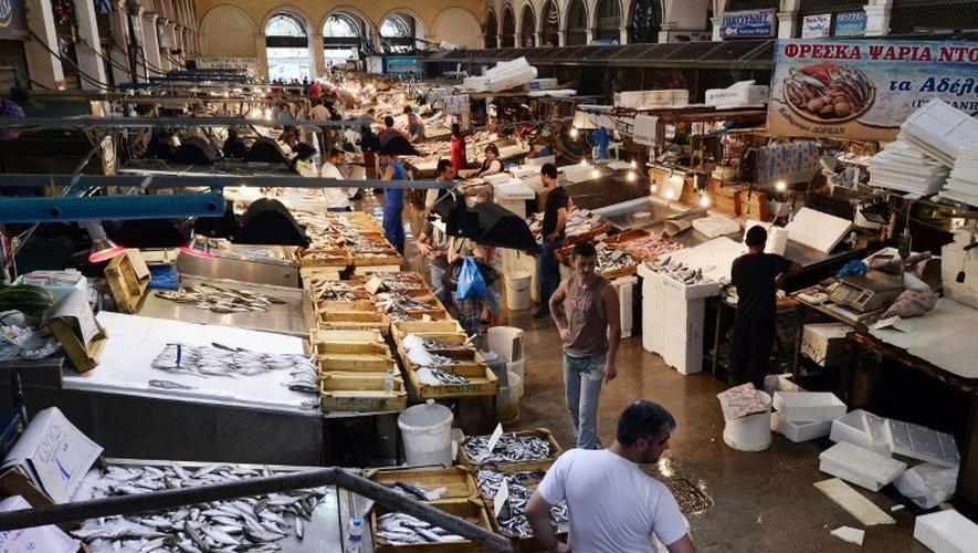 Le marché aux poissons dans le centre d'Athènes le 20 juillet 2015