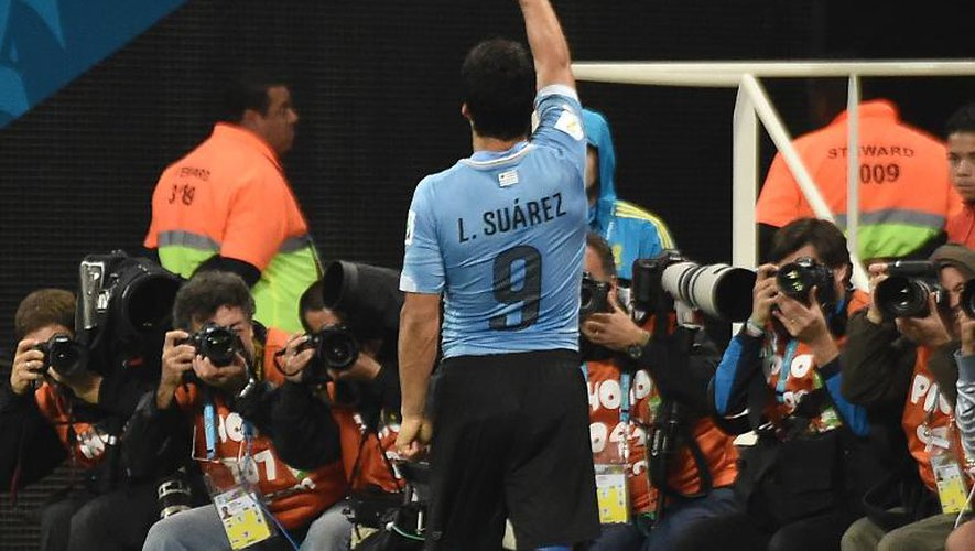 Mondial: Suarez réveille l'Uruguay et coule presque l'Angleterre