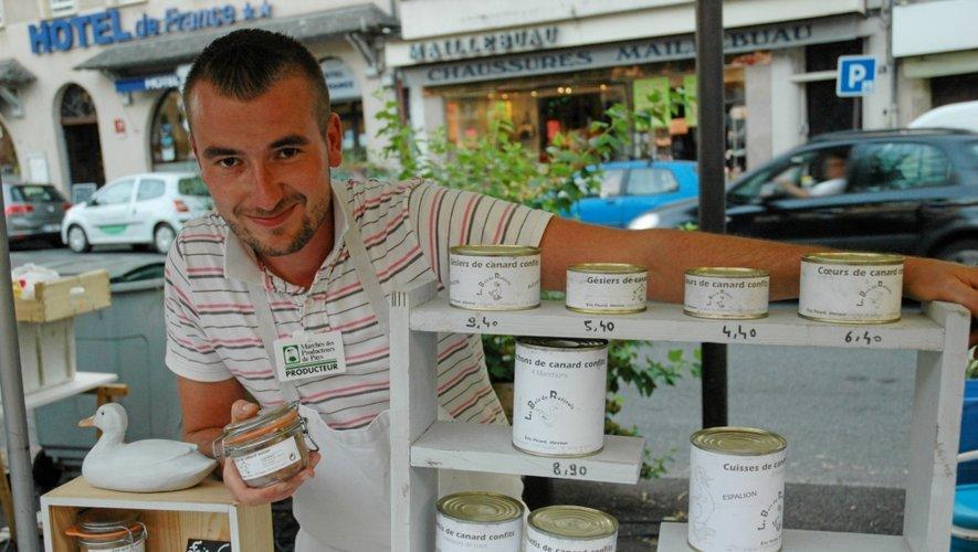 Damien Denibaud est présent sur les marchés d'Espalion, le mardi et le vendredi, et celui de Saint-Côme, le dimanche.