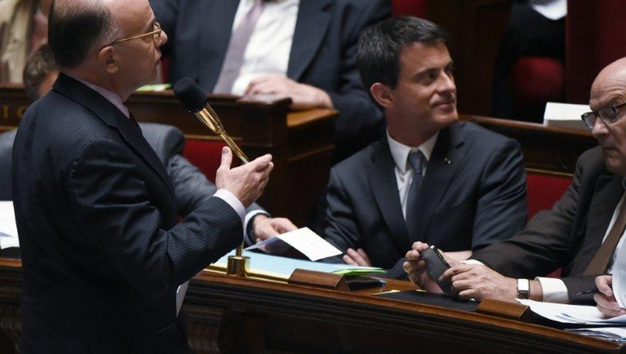 Le ministre de l'Intérieur Bernard Cazeneuve  s'exprime à l'Assemblée nationale le 9 juin 2015