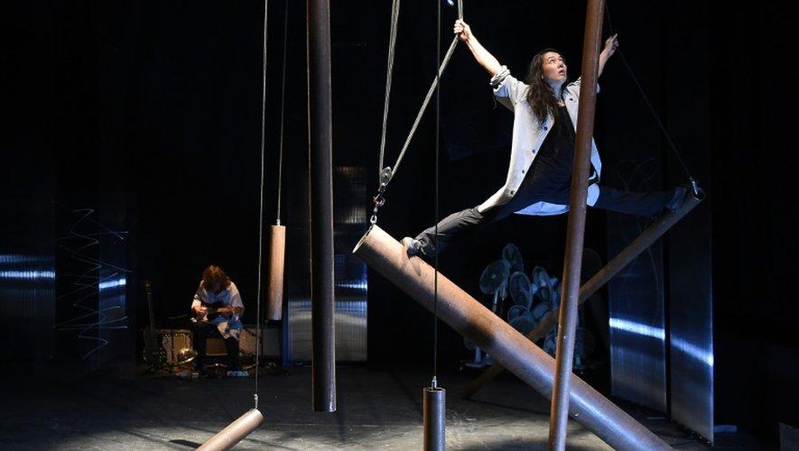 """Répétition de la pièce """"Forbidden di sporgersi"""" à Avignon, le 14 juillet 2015"""