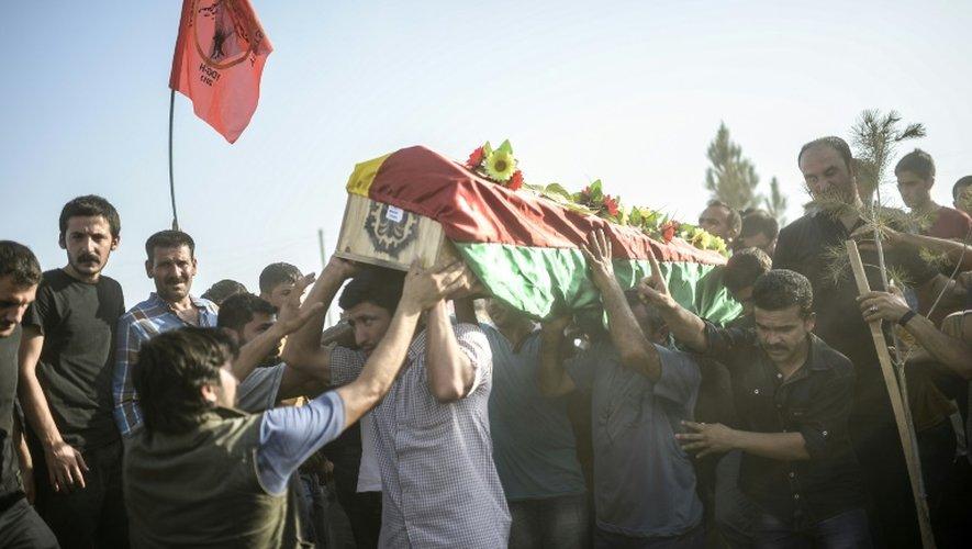 Funérailles d'une des victimes de l'attentat suicide de Suruç, le 21 juillet 2015