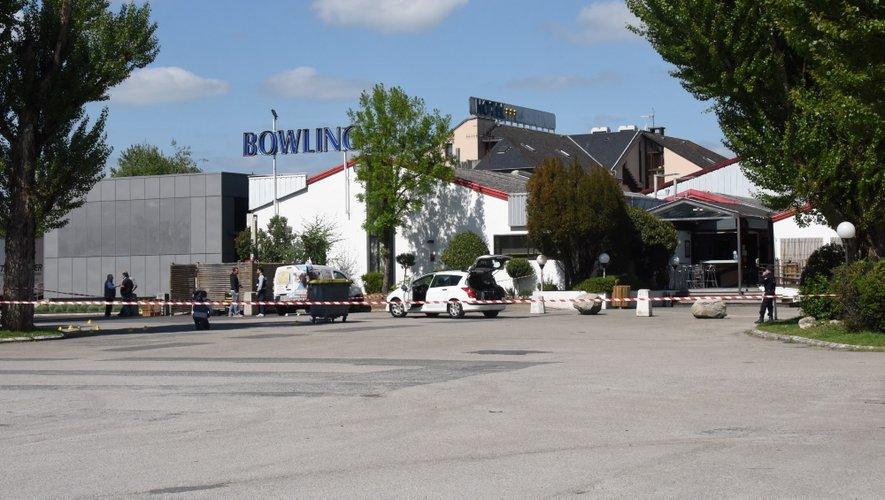 La façade avait été mitraillée le 17 mai. Un rapprochement avec cette alerte à la bombe n'est pas à exclure...
