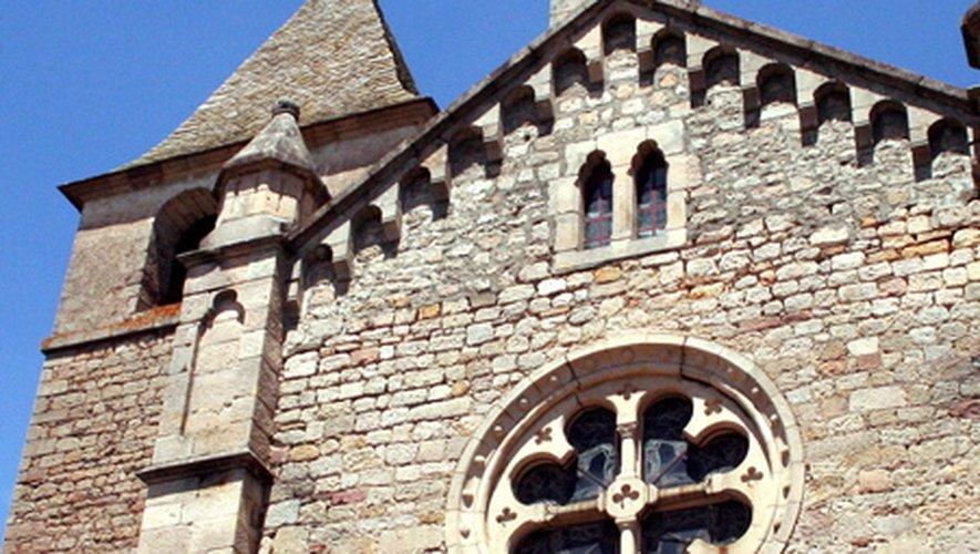Pour les amoureux des vieilles pierres, une halte à Saint-Beauzély s'impose. Axe routier majeur durant le moyen âge, les traces de ce riche passé sont encore bien présentes, à l'image de son château du XVIe siècle.