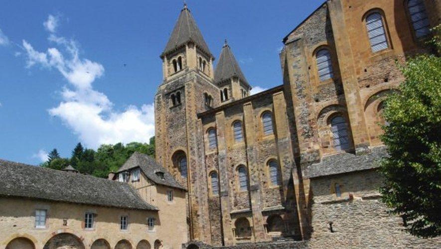 L'abbatiale célèbre cette année le 20e anniversaire de l'installation des vitraux de l'artiste Pierre Soulages.