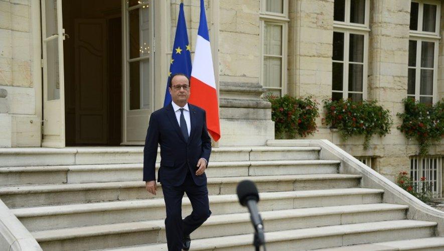 François Hollande à la préfecture de Dijon le 23 juillet 2015