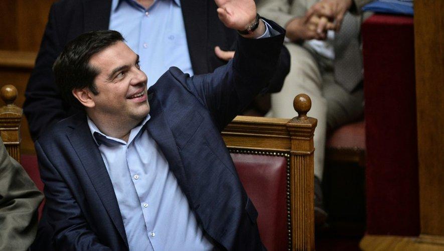 Le Premier ministre grec Alexis Tsipras vote le 23 juillet 2015 pour les nouvelles mesures de rigueur exigées par les créanciers de la Grèce