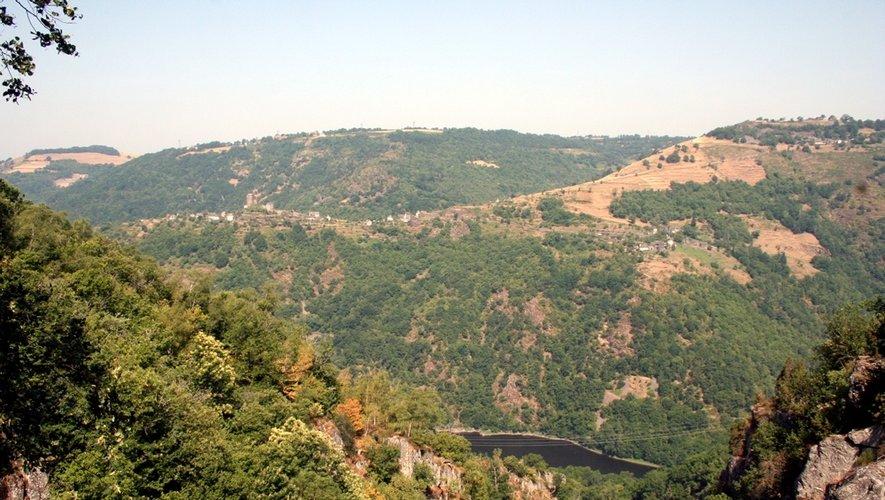 La cascade du Saut du Chien dévoile une vue imprenable sur la région