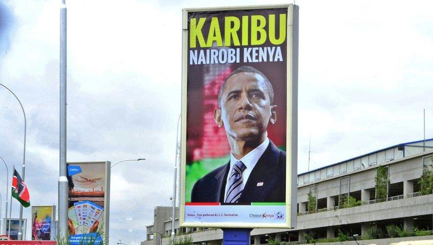 Message de bienvenue à Obama affiché le 23 juillet 2015 à l'aéroport  de Nairobi