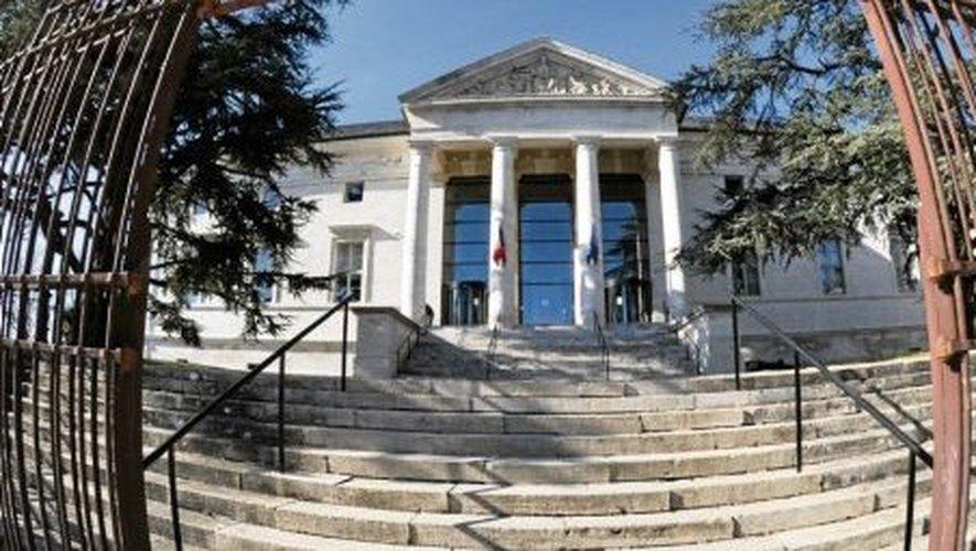 Le tribunal de Rodez a condamné jeudi un Millavois, coupable de violences conjugales.