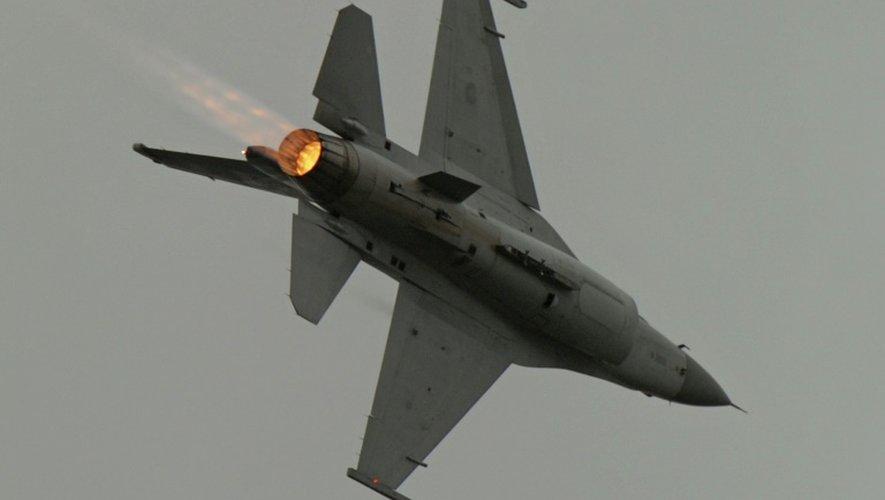 Des F-16 turcs ont mené des raids contre des positions de l'EI en Syrie