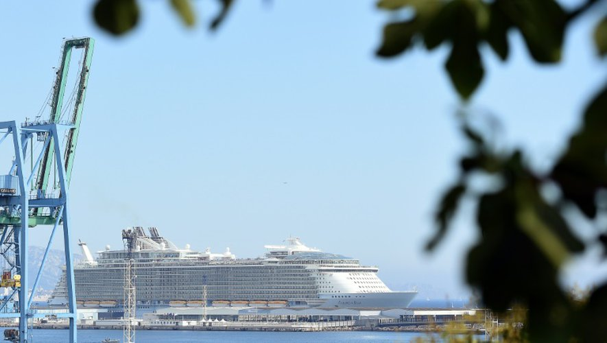 """Le paquebot de la Royal Carribean """"Allure of the Seas"""", le 21 juillet 2015 à la sortie du port de Marseille"""