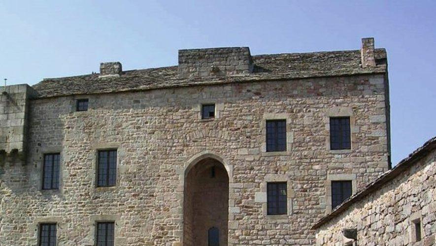 Gissac - Le château de Montaigut