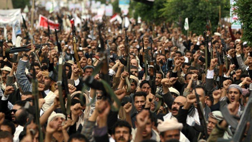 Des partisans yéménites des rebelles houthis se rassemblent dans les rues de Sanaa, le 24 juillet 2015