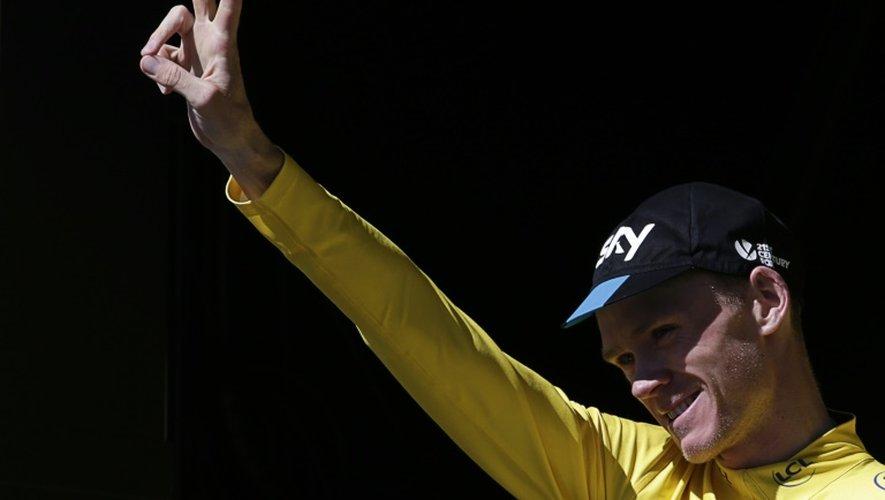 Le maillot jaune du Tour de France Chris Froome, à l'issue de la 20e étape, le 25 juillet 2015 à L'Alpe d'Huez