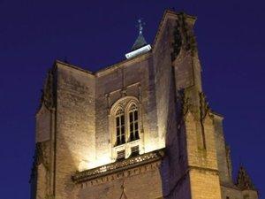 Villefranche-de-Rouergue - Dans la ville neuve, la collégiale domine la bastide