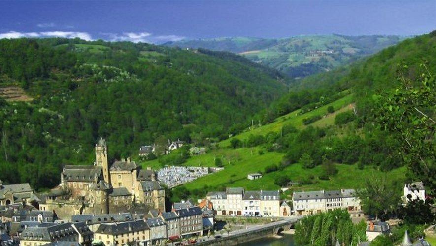 Le village d'Estaing et son château aux allures romantiques méritent une pause.