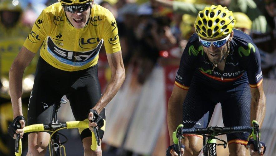 Le Britannique Chris Froome devant l'Espagnol Alejandro Valverde lors de la 20e étape du Tour de France, le 25 juillet 2015 à L'Alpe d'Huez