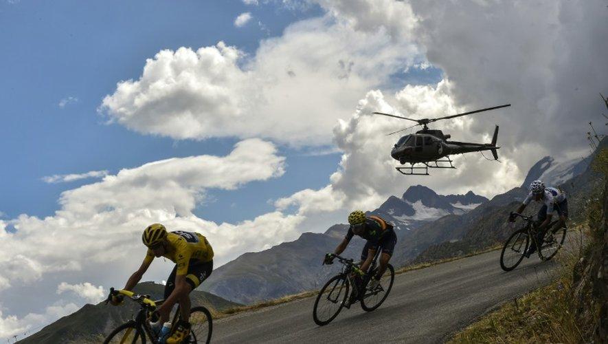 Le Britannique Chris Froome devant Alejandro Valverde et Nairo Quintana lors de la 19e étape du  Tour de France, Saint-Jean-de-Maurienne et La Toussuire, le 24 juillet 2015
