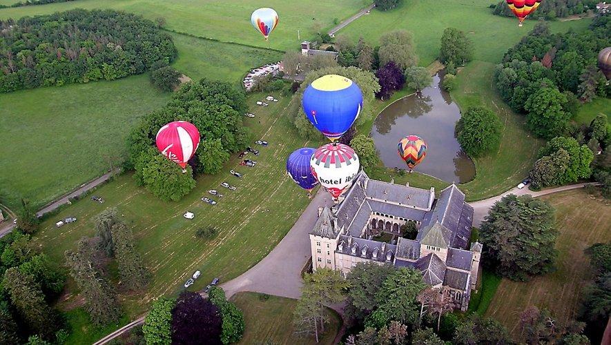 Entre la pluie aujourd'hui et le vent annoncé demain les montgolfières de Ballons et Bastides risquent bien de ne pouvoir décoller...
