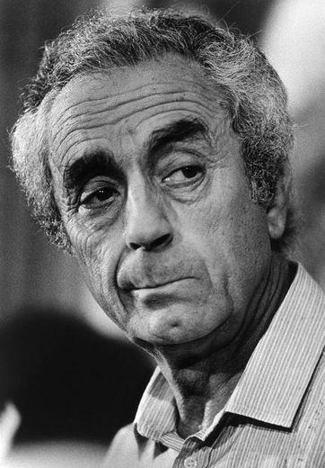Portrait du réalisateur italien Michelangelo Antonioni (né le 29 septembre 1912) pris, le 04 février 1993 à Paris