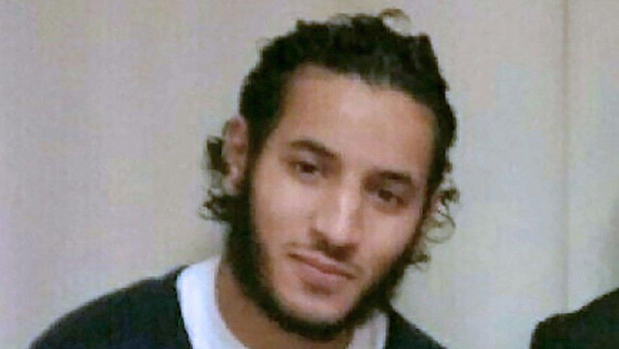 Policier et sa compagne tués: trois proches de Larossi Abballa interpellés