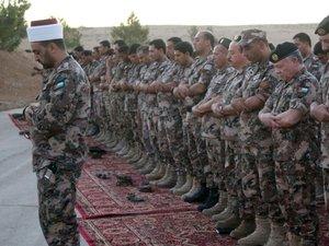 """La Jordanie décrète """"zones militaires fermées"""" les frontières avec la Syrie"""
