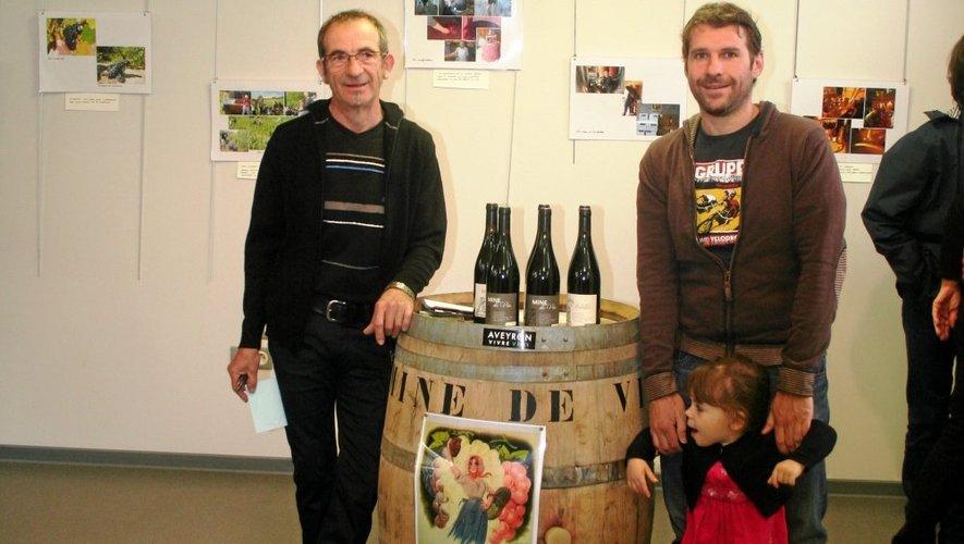 Didier Bouscal et son gendre commercialisent leur production depuis 2001.