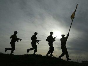 Poussés par leur haine de l'EI, des Syriens arabes combattent avec les Kurdes