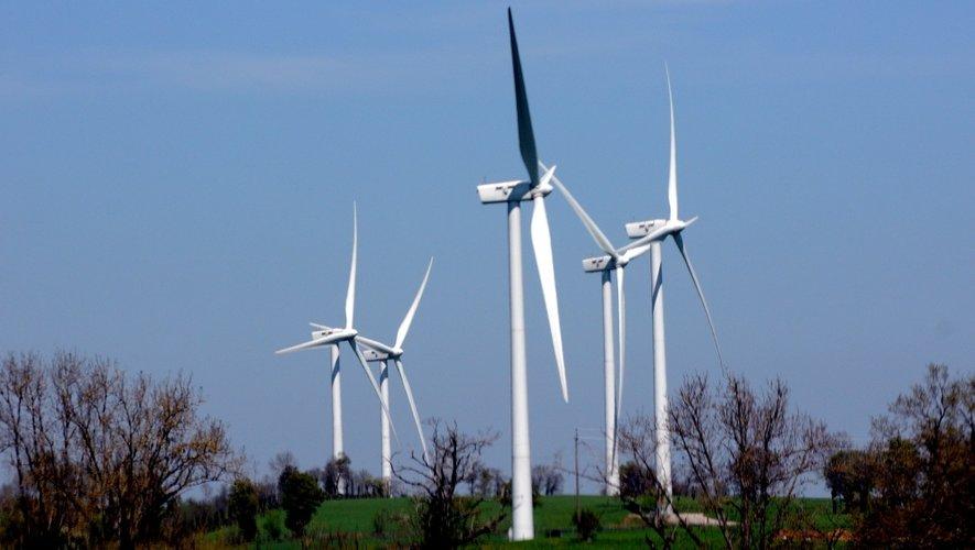 """Jean Marty : """"Il y a déjà 74 éoliennes installées sur le Lévezou, 6 autres projets pour un total de 44 nouveaux mâts sont actuellement à l'étude""""."""
