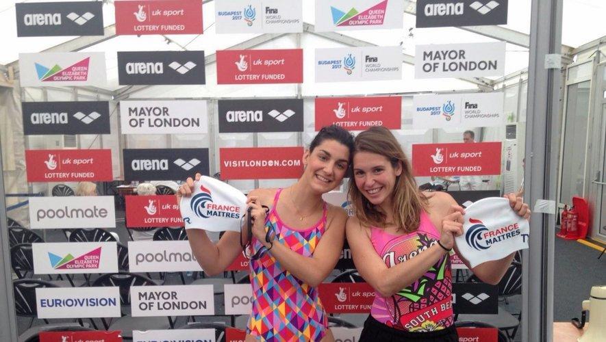 La Tourangelle du Grand Rodez natation, Noémie Rousse (à droite, aux côté d'une nageuse de Chambéry), était alignée sur 50 et 100m crawl. Et pour la première fois, elle a porté le bonnet de bain de l'équipe de France.