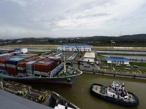 Panama: un bateau chinois traverse le premier le canal élargi
