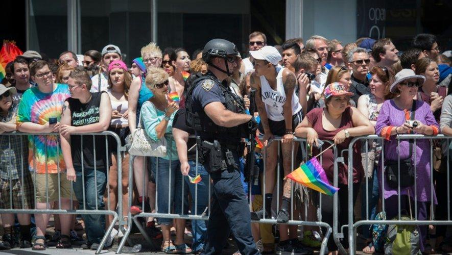 Un policier en faction lors de la 46e Gay Pride de New York, le 26 juin 2016