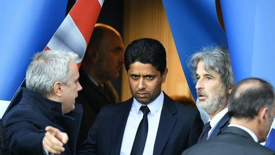 Le président du PSG Nasser Al-Khelaifi (c) avant le coup d'envoi du match face à Nantes au Parc des Princes, le 14 mai 2016