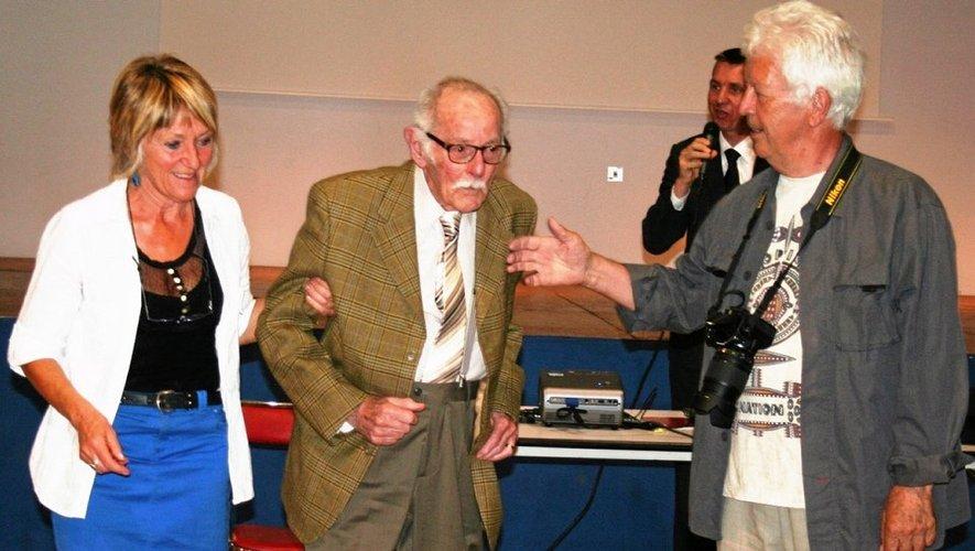 Au centre, François Testas est accompagné de Marie-Jo Augey et Aimé Albagnac.