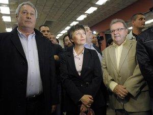 """Victoire FN à Brignoles: un net """"avertissement"""", mais à relativiser"""