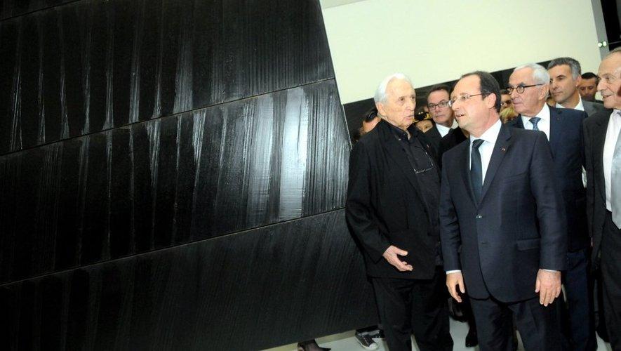 Pierre Soulages ici avec Michel Rocard et François Hollande.